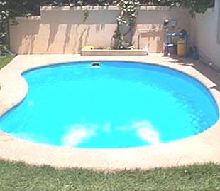 Piscinas piscina piscina de fibra instalacao e for Ideias para piscina de fibra